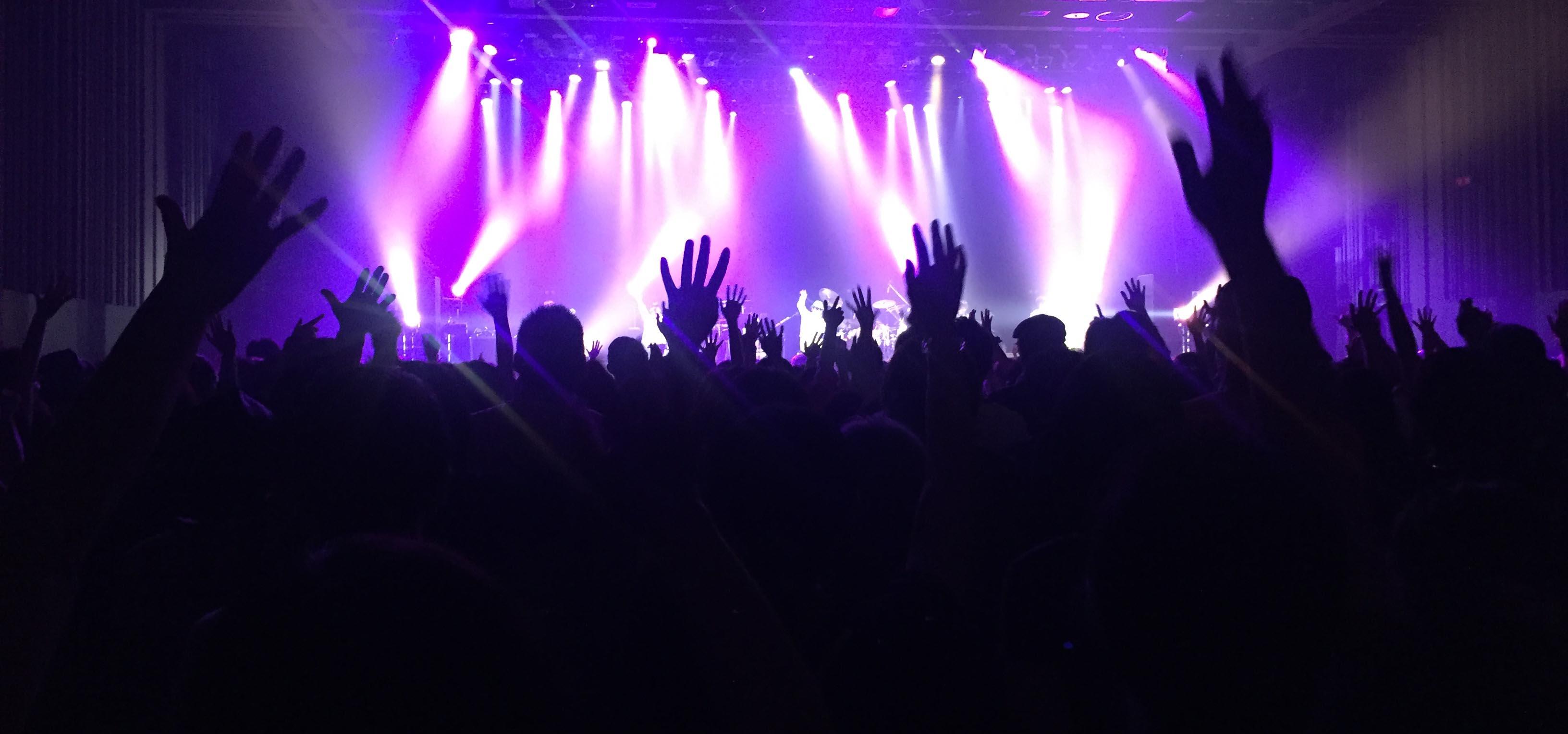 『Chage Live Tour 2015 〜天使がくれたハンマー』スタートしました!